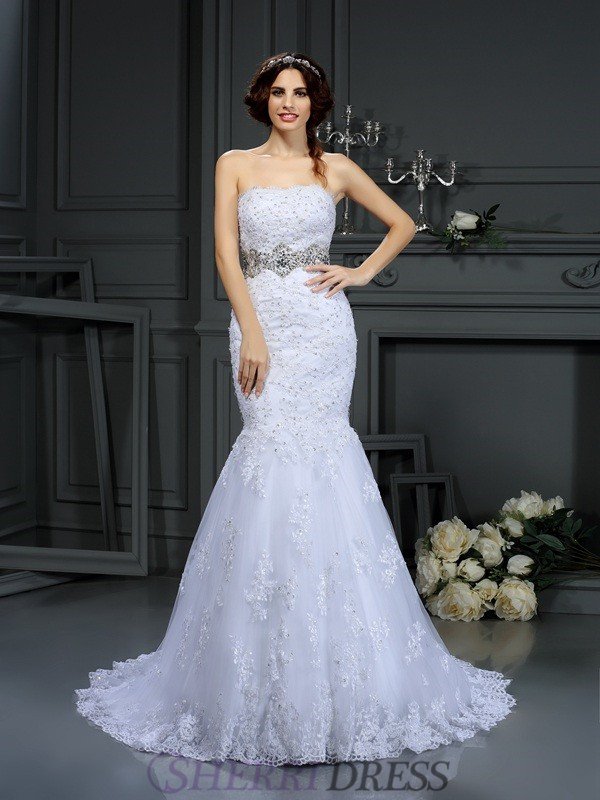 Trumpet/Mermaid Strapless Lace Sleeveless Court Train Wedding Dresses