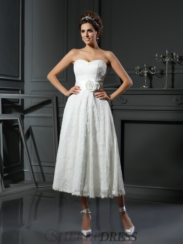 A-Line/Princess Sweetheart Lace Sleeveless Tea-Length Wedding Dresses