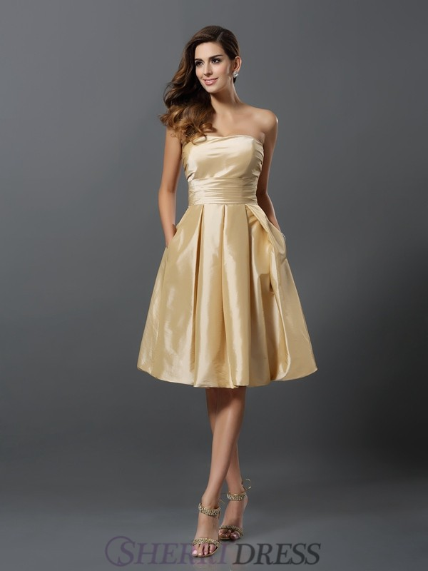 A-Line/Princess Strapless Taffeta Sleeveless Knee-Length Bridesmaid Dresses
