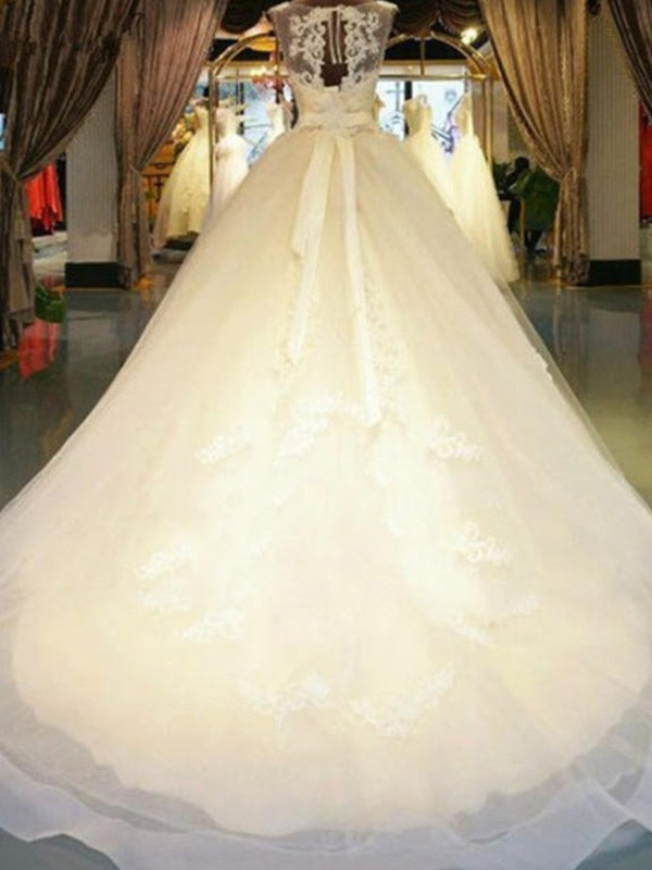 Ball Gown Off-the-Shoulder Lace Sleeveless Sweep/Brush Train Wedding Dresses